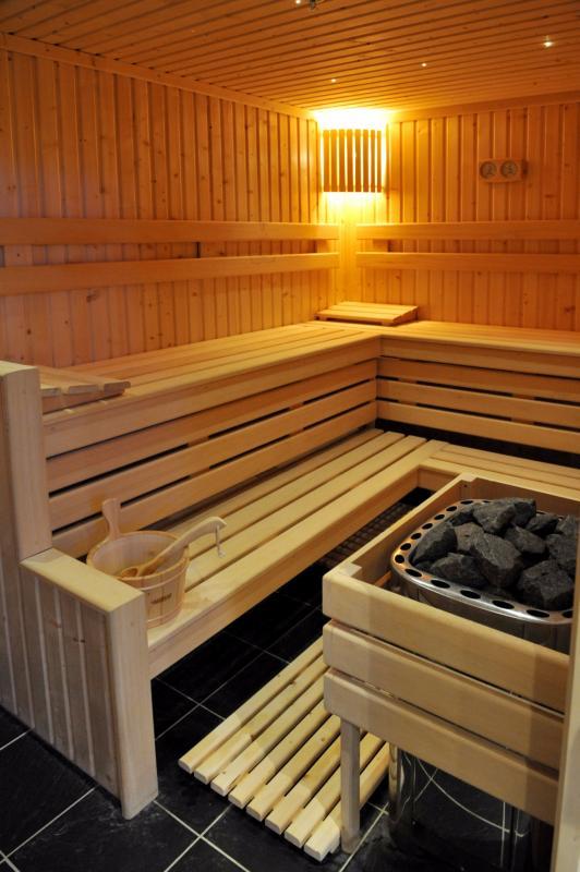 Huile de sauna aux huiles essentielles bain vapeur sauna - Huiles essentielles pour sauna ...